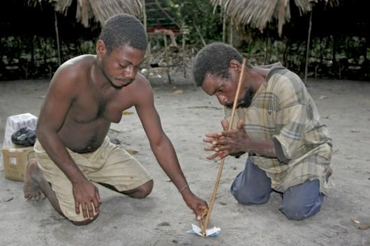 Camerún, Kribi, asentamiento Pigmeo