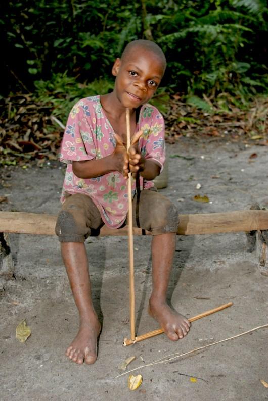 Camerún, Kribi, asentamiento Pigmeo, retrato