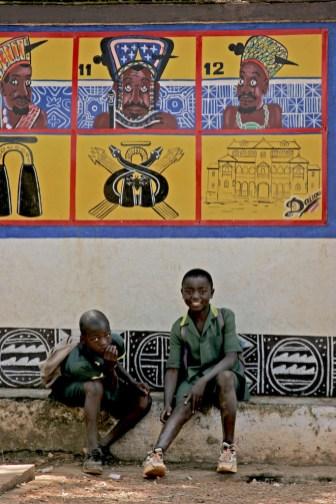 Camerún, Foumban, Sultanato, escolares, retrato