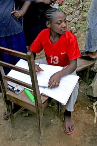 Camerún, Melong, Monte Manengouba, joven estudiante