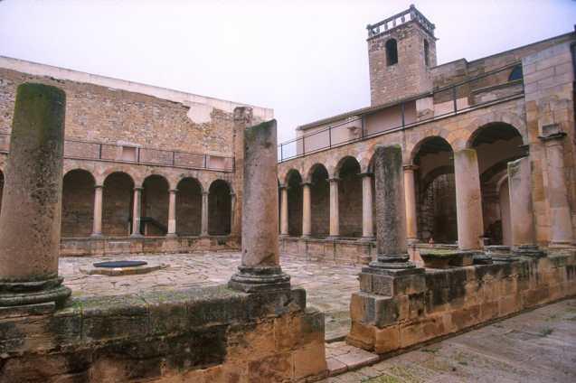 Catalunya, Segria, Seròs, Monasterio Trinitario
