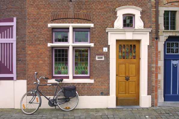Flandes, Brujas, bicicleta