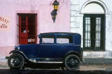 Uruguay, Colonia, Viejas reliquias