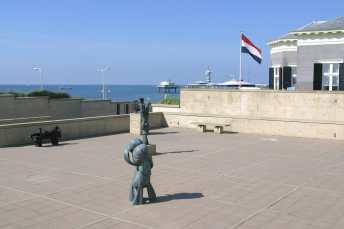 Holanda, Zuid-Holland, Scheveningen, Museo de las Esculturas en la Playa,