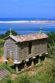 Galicia, Ría de Corme y Laxe, Hórreo