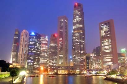Singapur, Raffles Place, nocturno