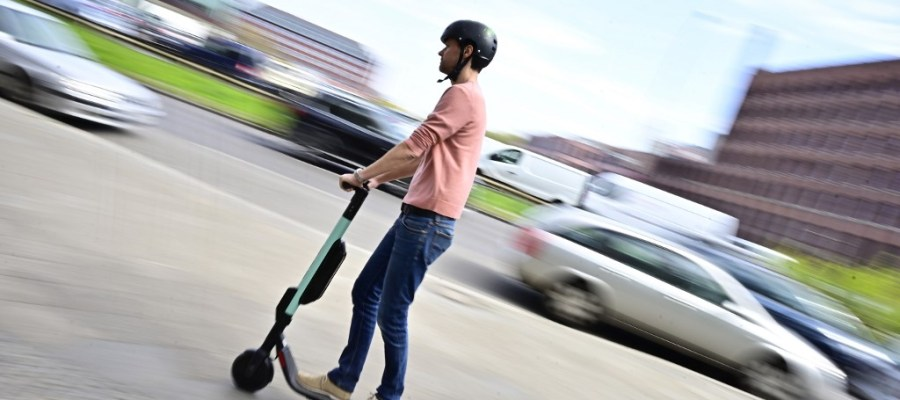 FLORENCE WANTS TO MAKE HELMETS MANDATORY FOR ELECTRIC SCOOTER USERS