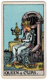 Taurių karalienės taro korta