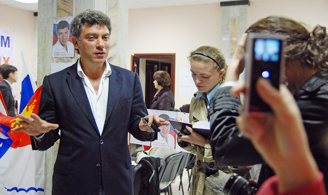 Фото: Виктор Клюшкин / ТАСС / Scanpix Кандидат на пост мэра Сочи Борис Немцов в своем избирательном штабе после окончания голосования, Сочи, 26 апреля 2009 года
