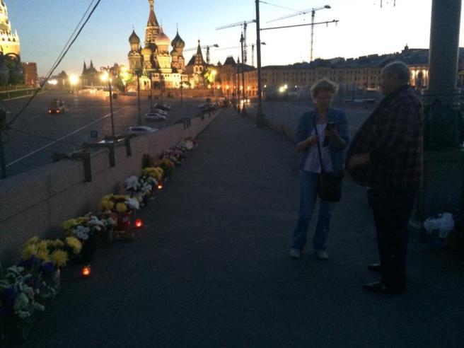 Ночные дежурные: Татьяна Тихонович и Сергей Шевченко. Предрассветное утро.