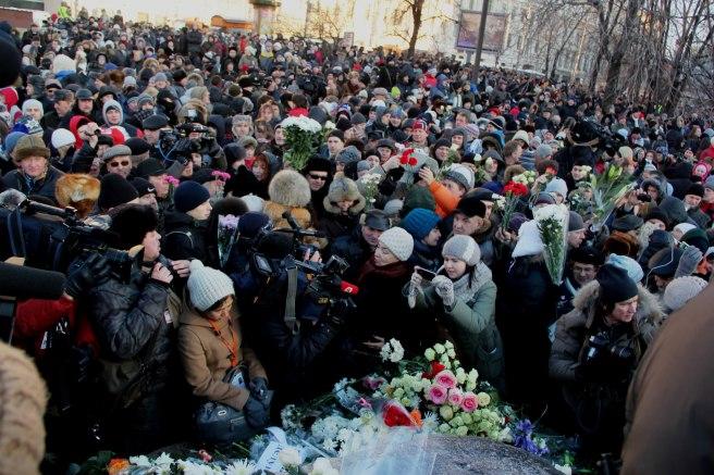2012-12-15-nemtsov_lubyanka-2-8