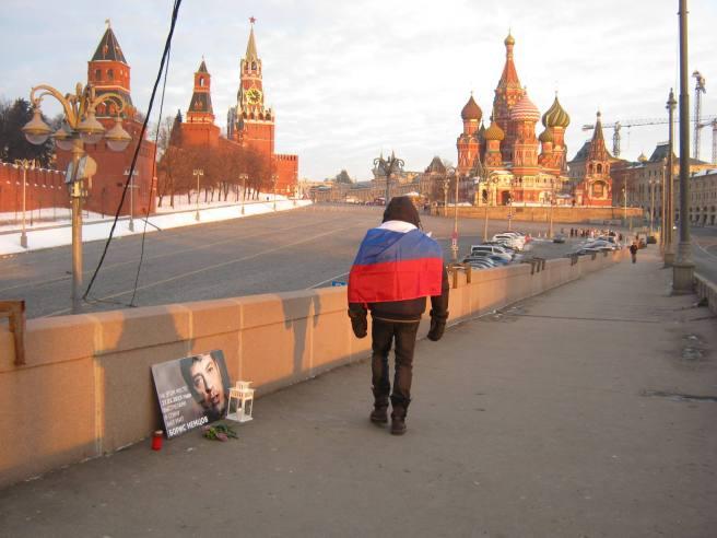 04.02.2017 Утреннее дежурство на мосту Немцова. После погрома. Дежурный