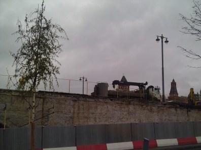 10.11.2018 Немцов мост. Ремонт На другой стороне моста Машины, машины, машины ...