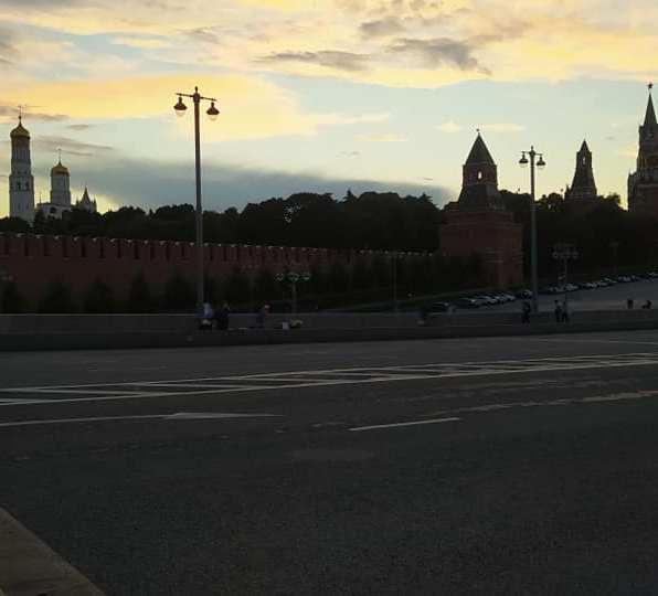01.08.2020 Мемориал на закате. С другой стороны моста