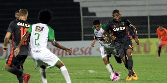 Sport empata com o lanterna Belo Jardim diante de 722 torcedores no Lacerdão