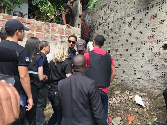 Polícia faz reconstituição de assassinato de arquiteta de 74 anos em Olinda