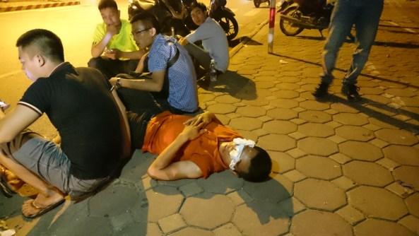 Chuyện anh phóng viên Trần Quang Thế bị đá đít!