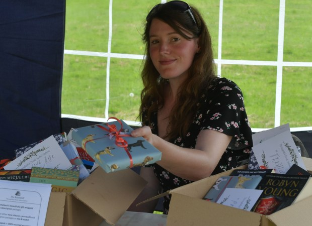 Rebecca @thoughtful books