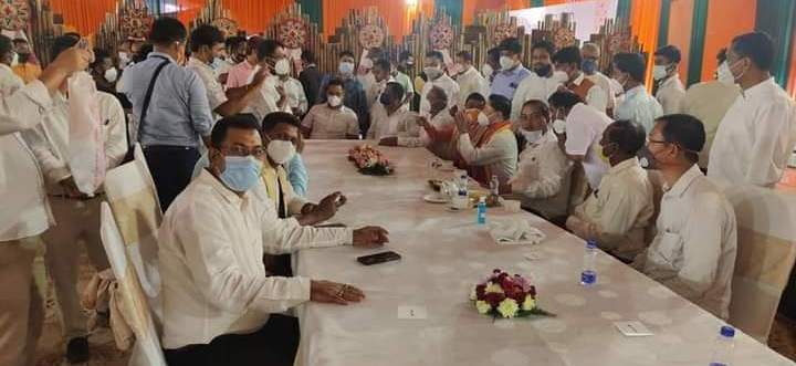 Covid-19 protocols go for a toss at Assam CM swearing in ceremony 2