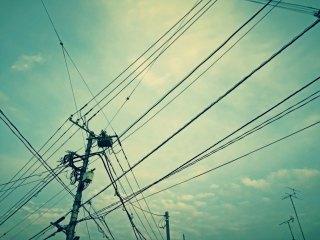 【高解像度】張り巡らされた線