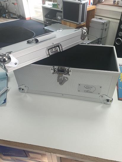 """200 7"""" vinyl storage case"""