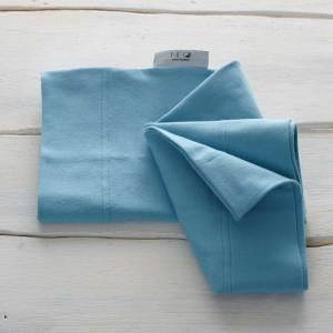 The ocean blue skin to skin kangaroo wrap is recommended by childcare untis for full term or premature babies