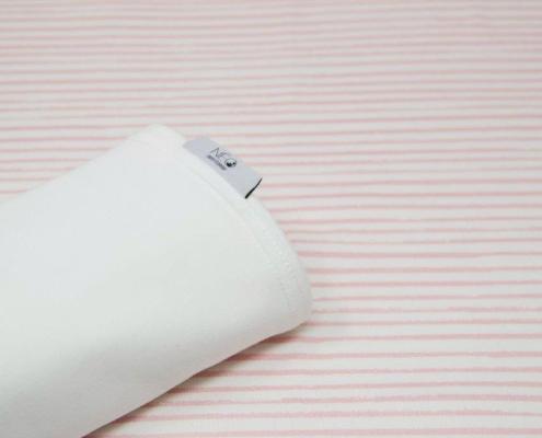 Écharpe rose rayée, écru - le peau à peau pour votre nourrisson par Néo