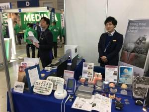 当社営業スタッフも交代でお迎えしております。(写真左:横浜営業所係長・唐川、写真右:横浜営業所・八代)
