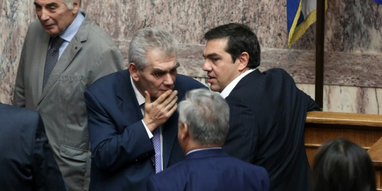 tsipras-papaggelopoulos-milane-vouli