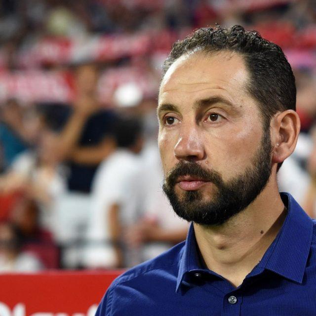 El entrenador del Sevilla FC, Pablo Machín, en un partido en el Ramón Sánchez Pizjuán. Imagen: Rafael Toro.