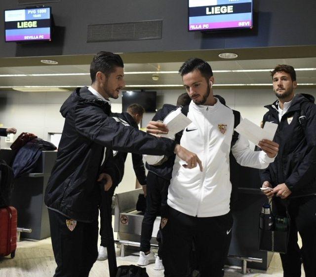 Salida de la plantilla del Sevilla FC rumbo a Lieja. Imagen SevillaFC.es