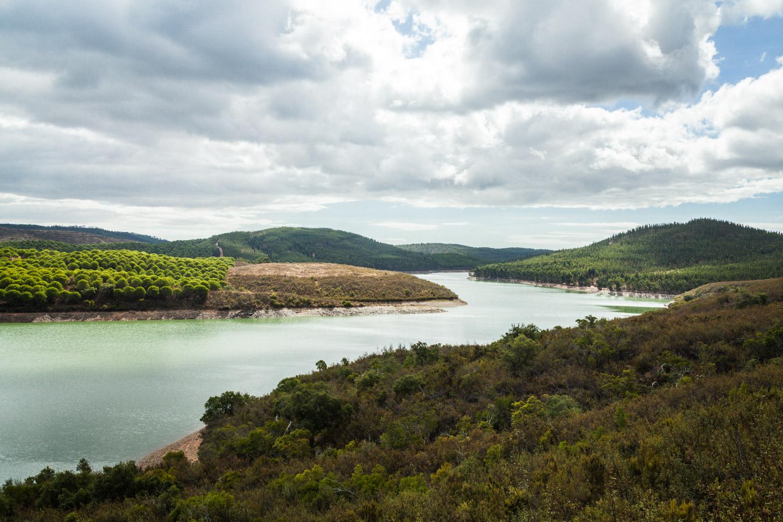 Stausee Albufeira da Barragem de Odiáxere. Foto: Neoheimat