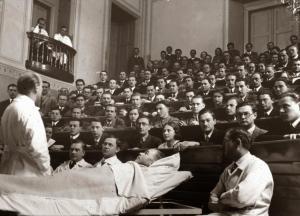 Száz éve fogadták el a zsidó diákokat kirekesztő numerus clausust