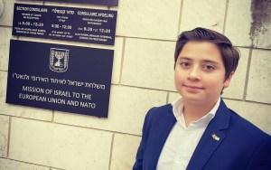 A fiú, aki 13 évesen szállt harcba az Izrael-ellenes hazugságokkal
