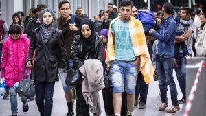 """Bizalmas Frontex-jelentés: """"nehéz lesz megállítani az emberek áradatát"""""""