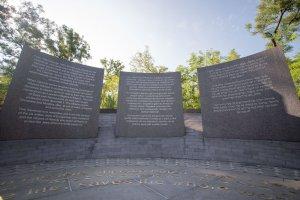 Zsidómentő albánoknak állítottak emlékművet