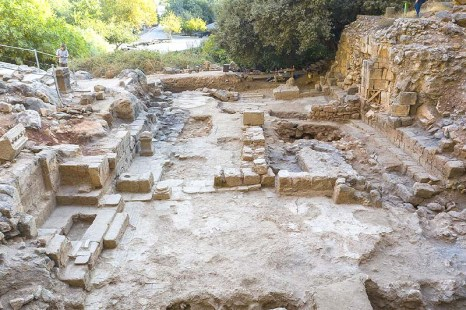 The-dig-at-the-site-of-a-1600-year-old-church-that-was-discovered-in-the-Banias-Springs-preserve.