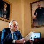 Chuck Schumer lett az első zsidó többségi pártvezető a Szenátusban