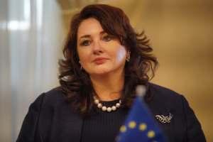 Uniós biztos: el kell érni, hogy az LMBTI közösséghez tartozók családot alapíthassanak mindenhol az EU-ban