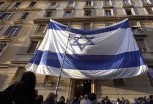 """""""Izrael mellett állunk"""" — Több ezren demonstráltak New Yorkban és Rómában"""