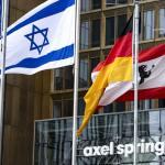 Az Axel Springernél fel is út, le is út annak, akit irritál az izraeli zászló