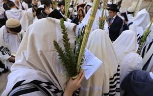 Újra több ezren imádkozhattak a Siratófalnál