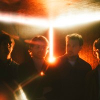 """Free From Gravity"": Django Django mit neuer Single"