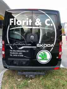 furgone con adesivi pretagliati cast