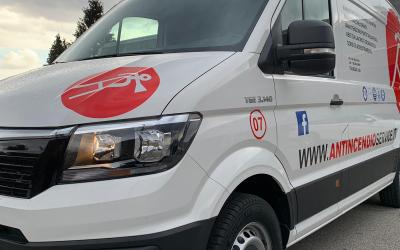 Adesivi per furgone officina mobile