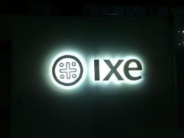 Logotipo luminoso 3D