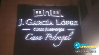 Letreros y logotipos luminosos