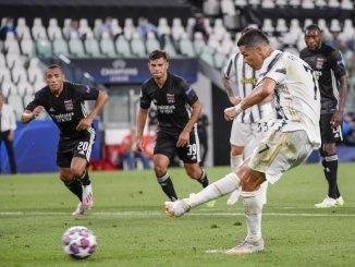 Juventus' Cristiano Ronaldo scores his sides' opening goal