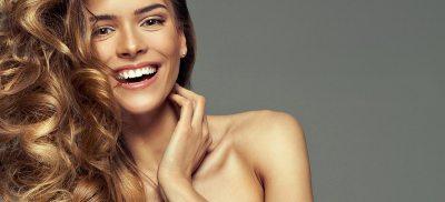 Collagen Drinks können die Haare pflegen