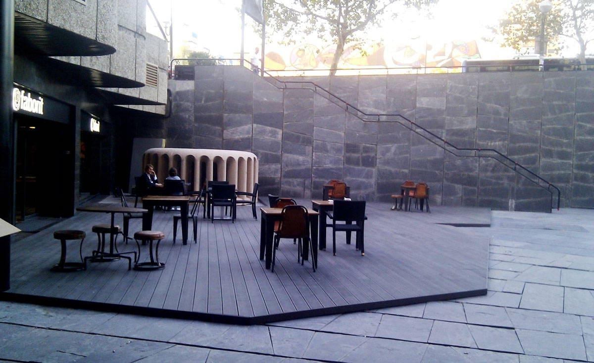 Tarima exterior en madera sintetica ltima tecnolog a en - Suelos para jardines exteriores ...